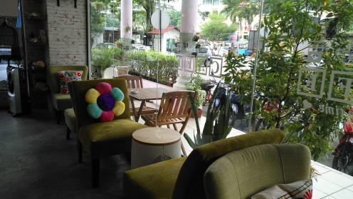 Fun colourful ambiance at Little Joe Cafe