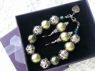 Bracelet and eating set by Rantai