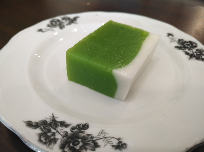Nyonya kuih, using rice flour, lemon grass, coconut milk