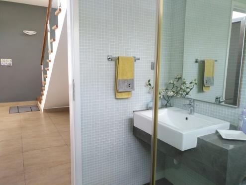 Bathroom 3, level 1
